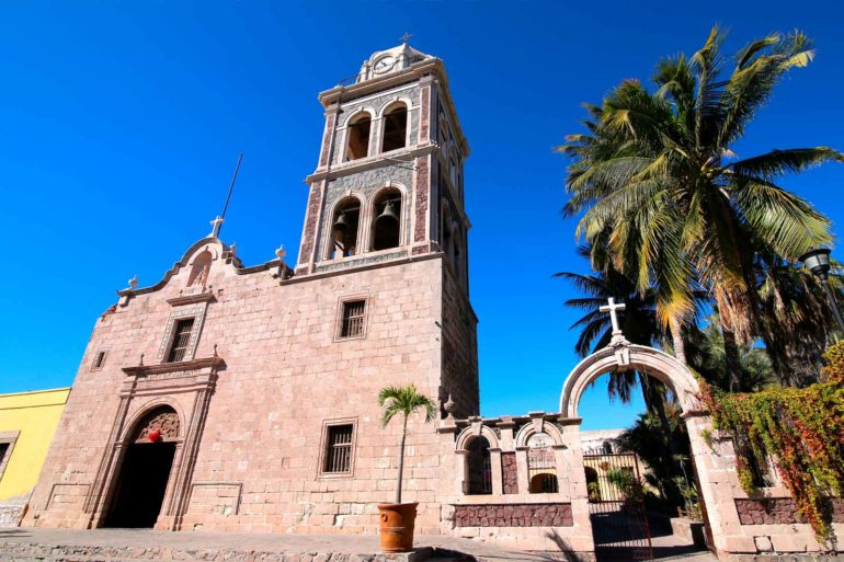 mexicofinder-travel-baja-california-monastery-loreto