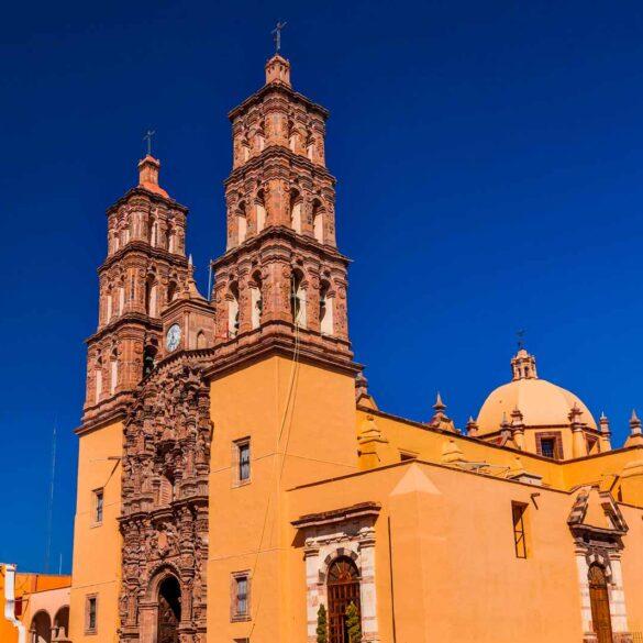 mexicofinder-travel-guanajuato-dolores-hidalgo-church