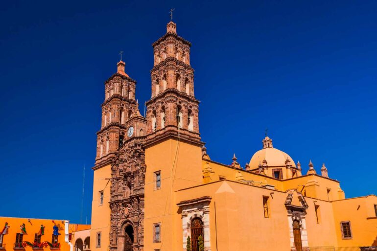 mexicofinder-travel-guanajuato-dolores-hidalgo-church