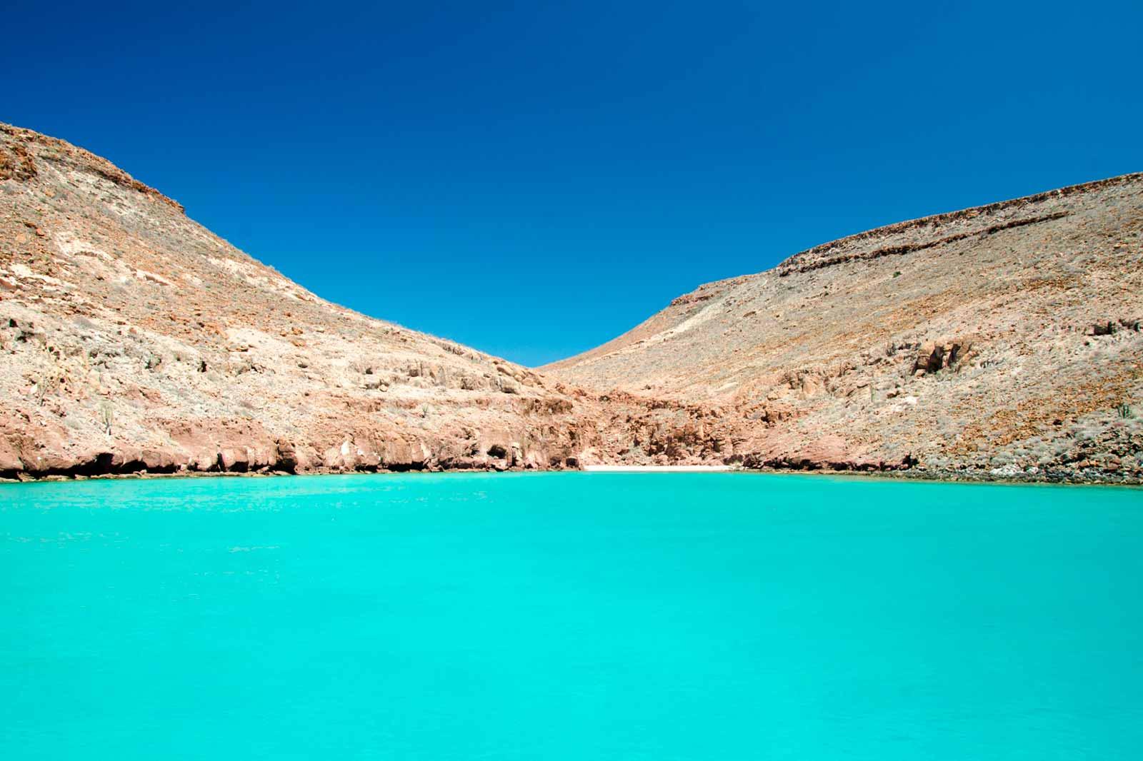 mexicofinder-travel-top-destinations-la-paz-baja-california-espiritu-santo