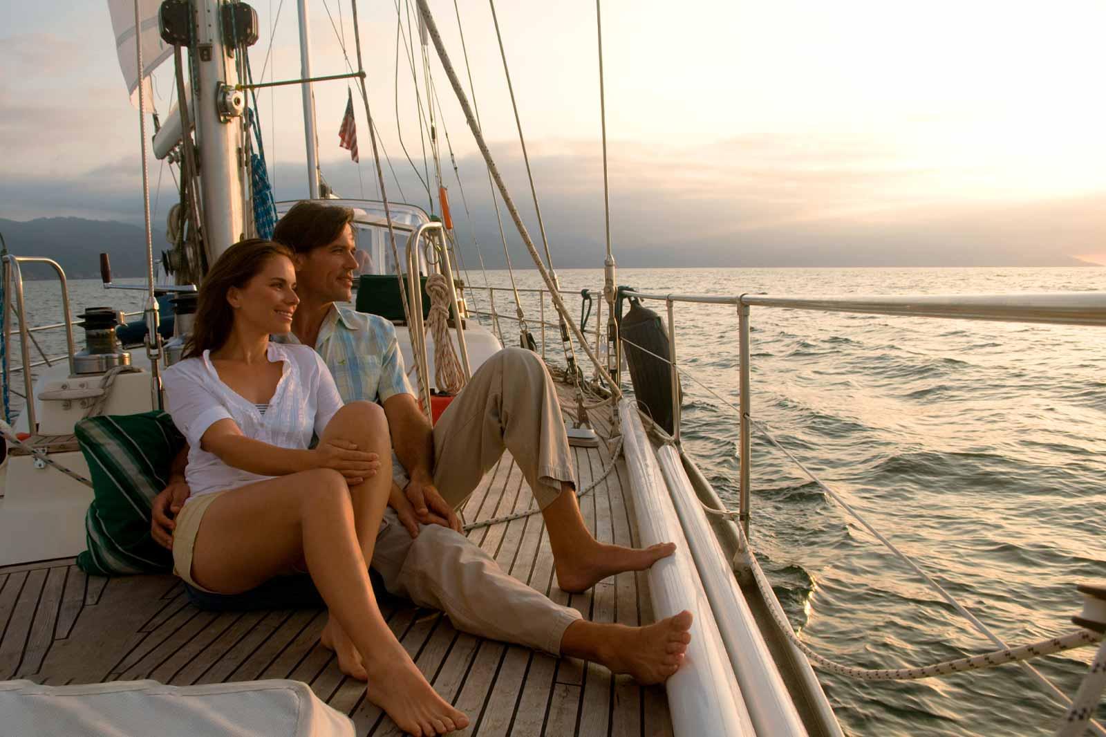 mexicofinder-travel-mexico-romantic-puerto-vallarta-catamaran