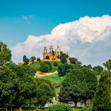 mexicofinder-travel-puebla-cholula-pyramid-church