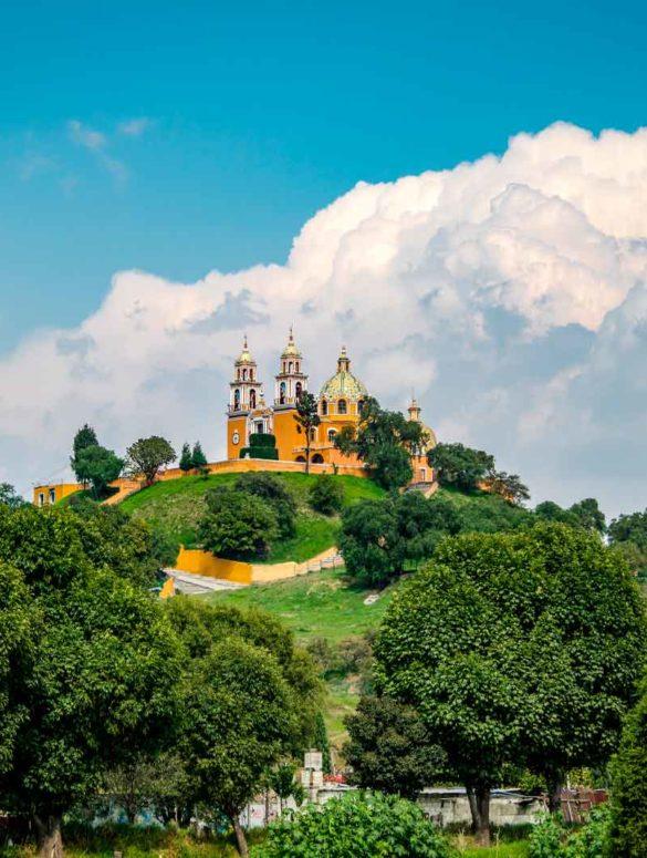 mexicofinder-travel-puebla-cholula-pyramid-church
