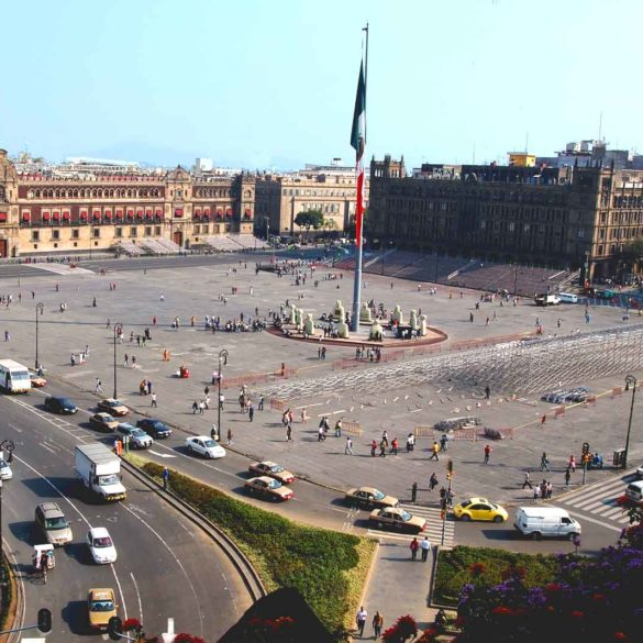 mexicofinder-travel-mexico-zocalo